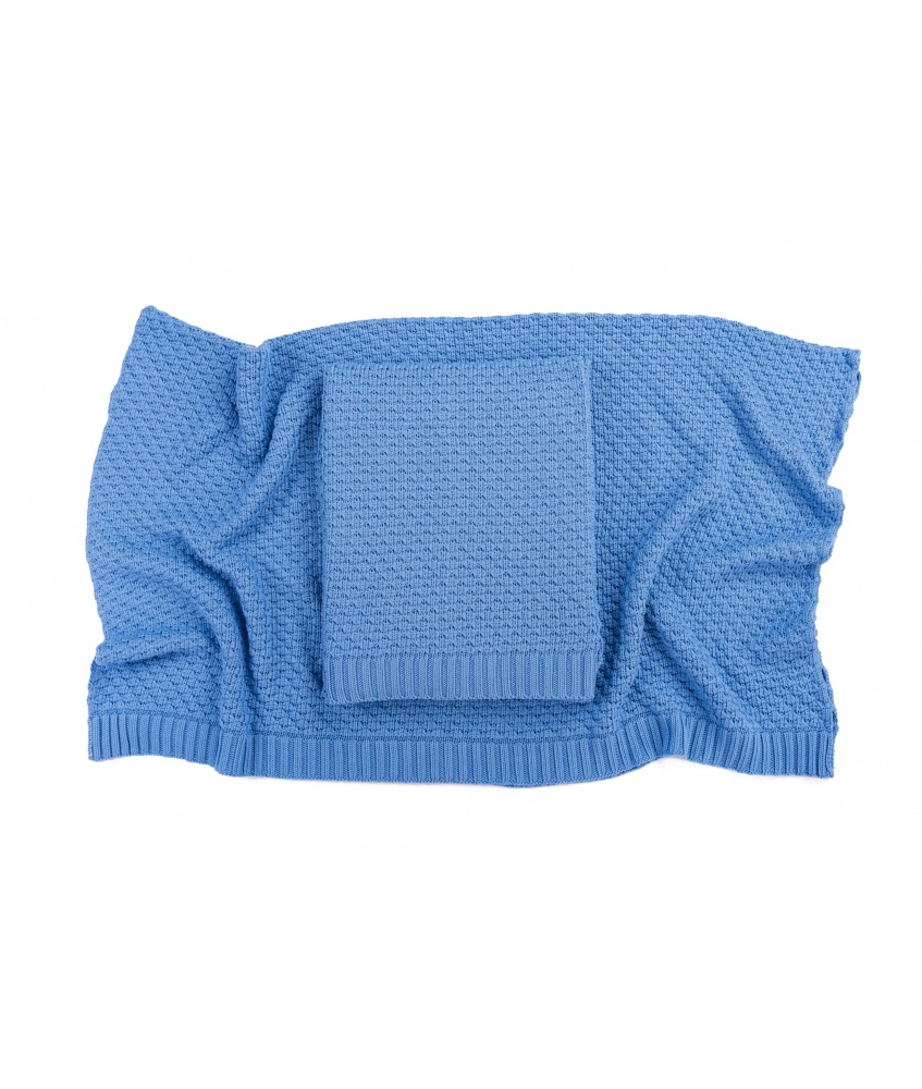 Bamboo blanket color: azure